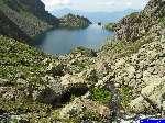 PICT2408: Le ruisseau d'alimentation du lac et le lac du Crozet.