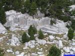 PICT8913: Les carières romaines au pied de la Tête de la Graille.